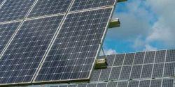 Preço de painéis solares deve seguir em alta até 2022, dizem fornecedores